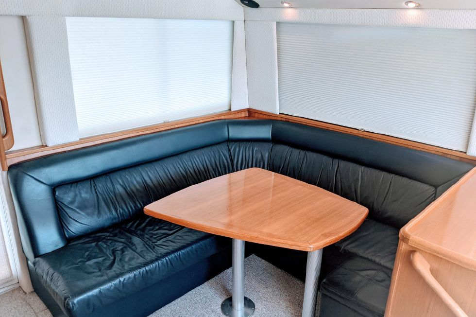 2000 Riviera Convertible - Settee/Dinette