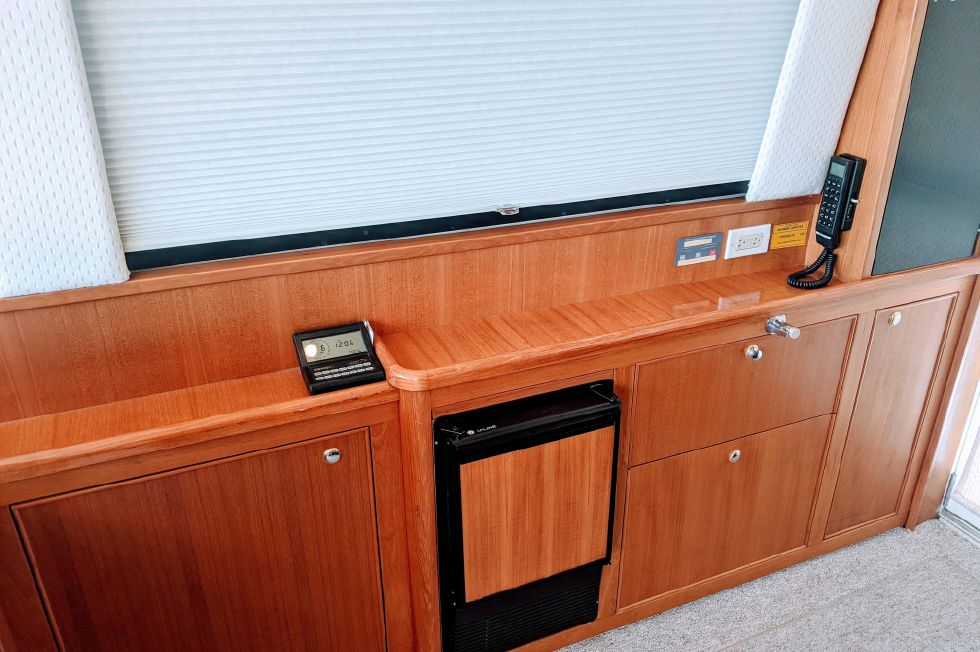 2000 Riviera Convertible - Saloon Cabinetry with Icemaker