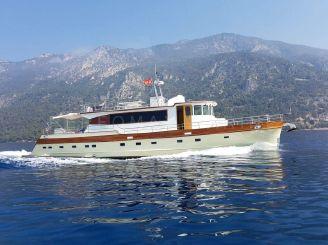 2004 Custom Trawler 23M
