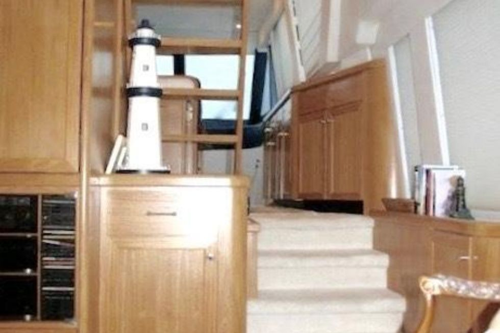 1998 Pacific Mariner Motor Yacht - Steps up to Galley