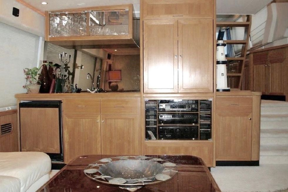 1998 Pacific Mariner Motor Yacht - Bar/Entertainment Center