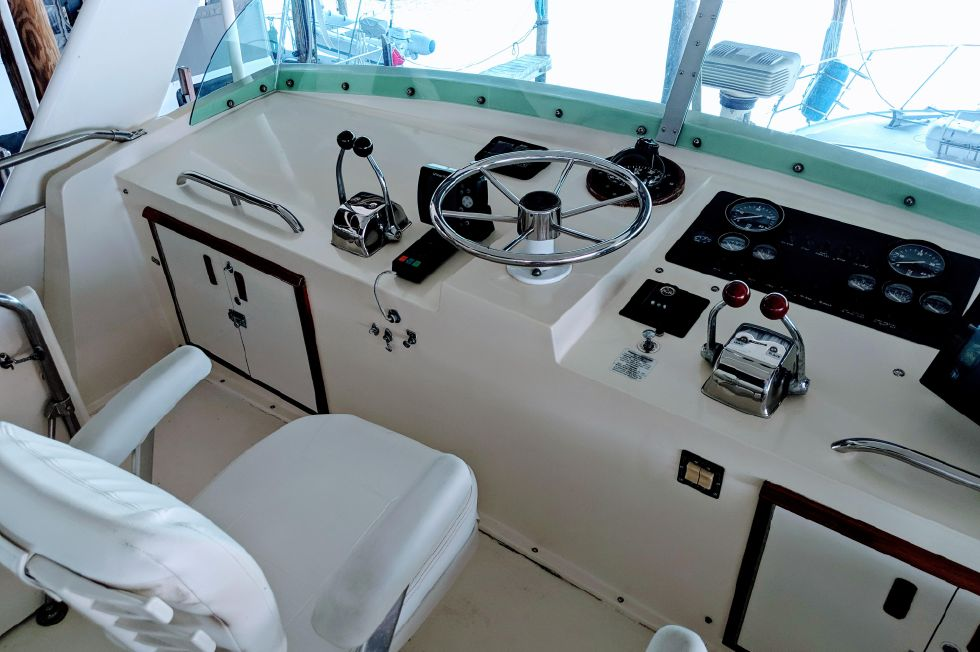 1981 Bertram 46 Flybridge Motor Yacht