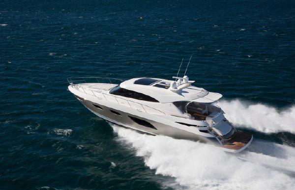 2018 Riviera 6000 Sport Yacht
