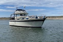 1972 Chris-Craft Commander 47 Flush Deck