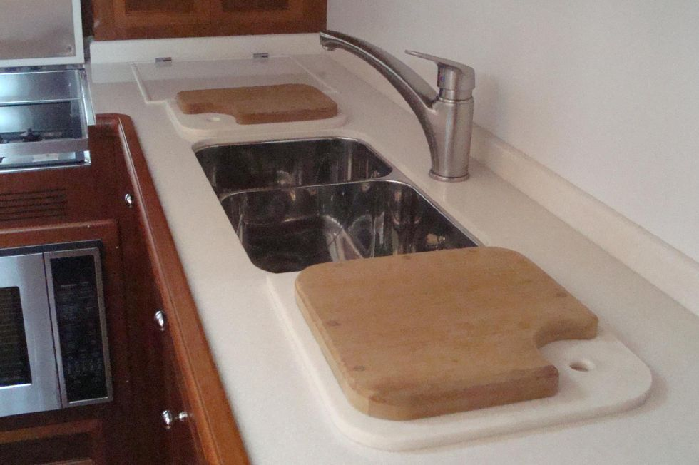 Sink with Corian/Cutting Board Inserts