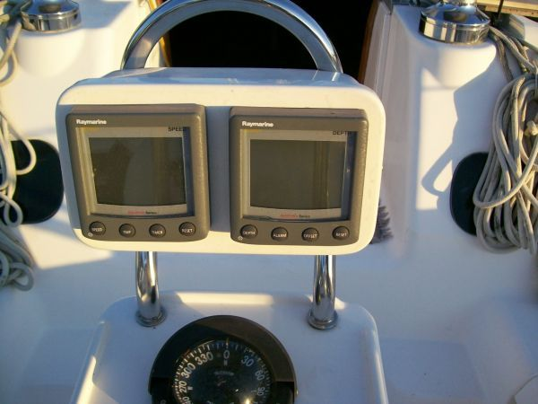 1996 Hunter 40.5 One Owner Boat 3 Stateroom