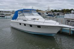 1989 Cruisers Yachts 3370 Esprit