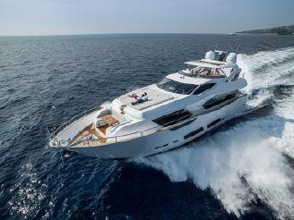 2018 Sunseeker 95 Yacht