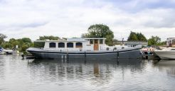 2005 Luxemotor Dutch barge