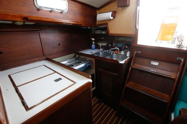 Galley w/Ice Box, 2 burner Force 10 propane stove and double sink