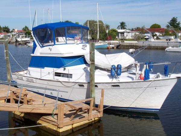 1987 Bayliner (NEW YANMAR Diesels) 38 Boats for Sale - Edwards Yacht