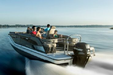 2015 Bayliner XR7