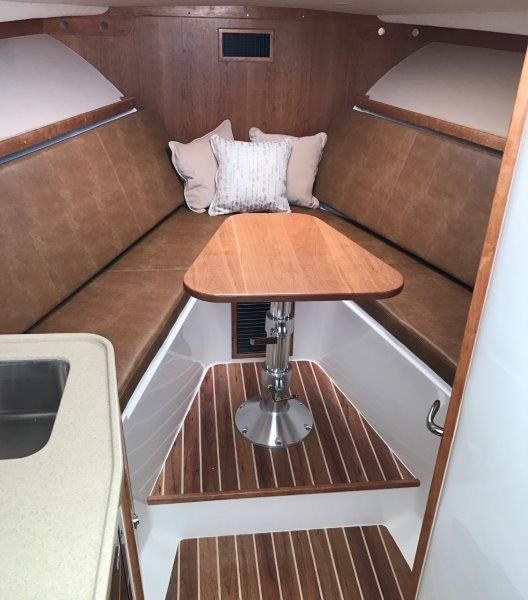 Main Cabin 1 - Convertible Dinette / Forward Berth