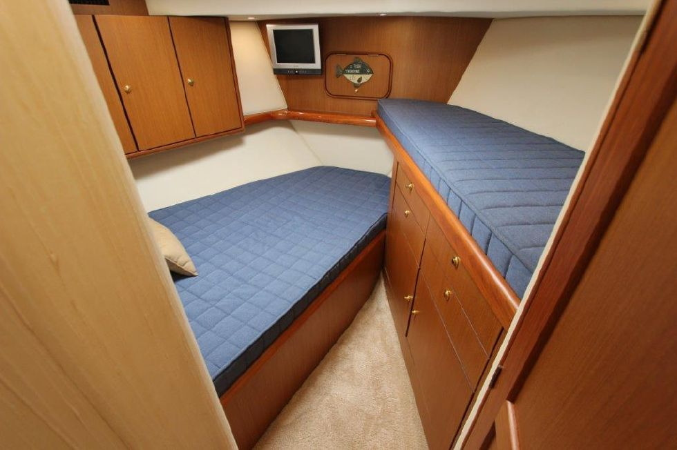 2006 Ocean Yachts 46 Super Sport - Guest Stateroom, Forward 1