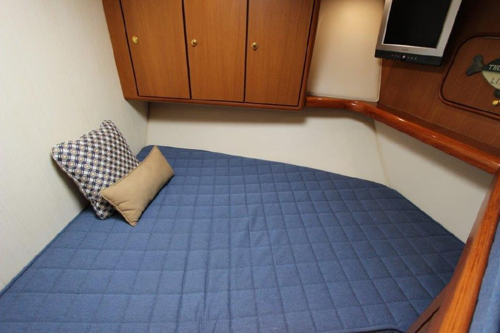 2006 Ocean Yachts 46 Super Sport - Guest Stateroom, Forward 3