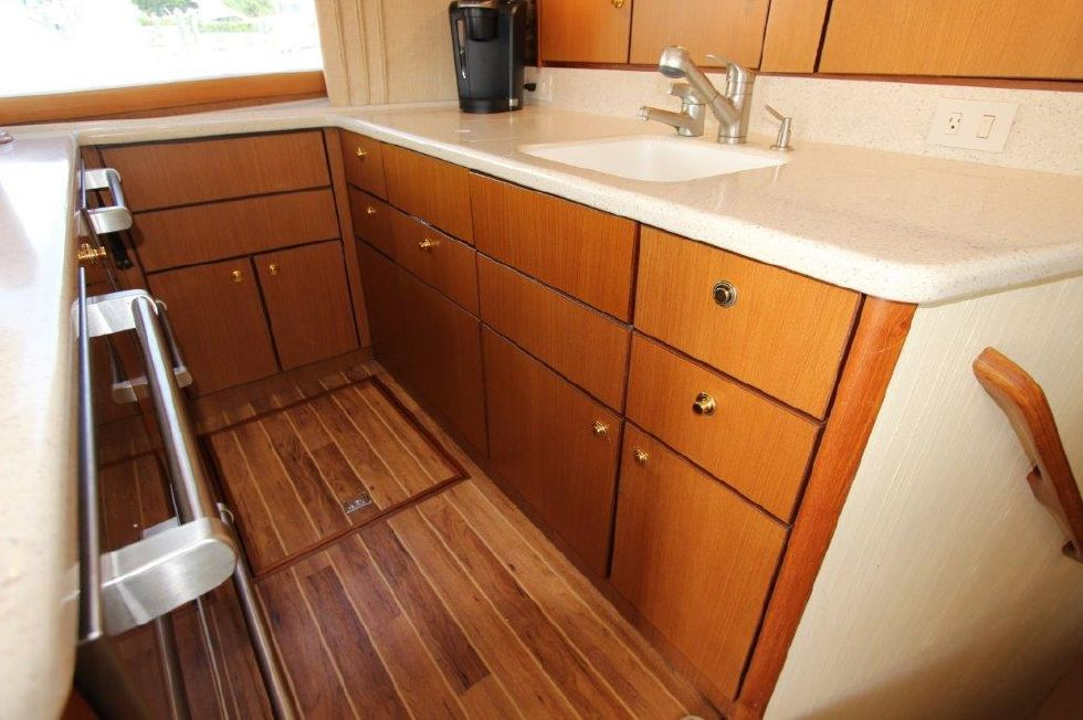 2006 Ocean Yachts 46 Super Sport - Galley 4