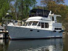 2010 Marine Trader Sundeck