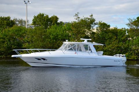 2010 Intrepid 39 SY with Seakeeper Gyro