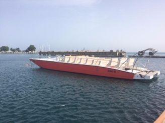 2000 Custom Thriller Powerboats Supercat 55