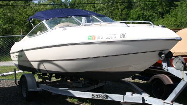 Stingray 190 CX Cuddy Cabin w/Trailer Photo 1