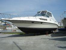 1988 Cruisers Yachts 3110