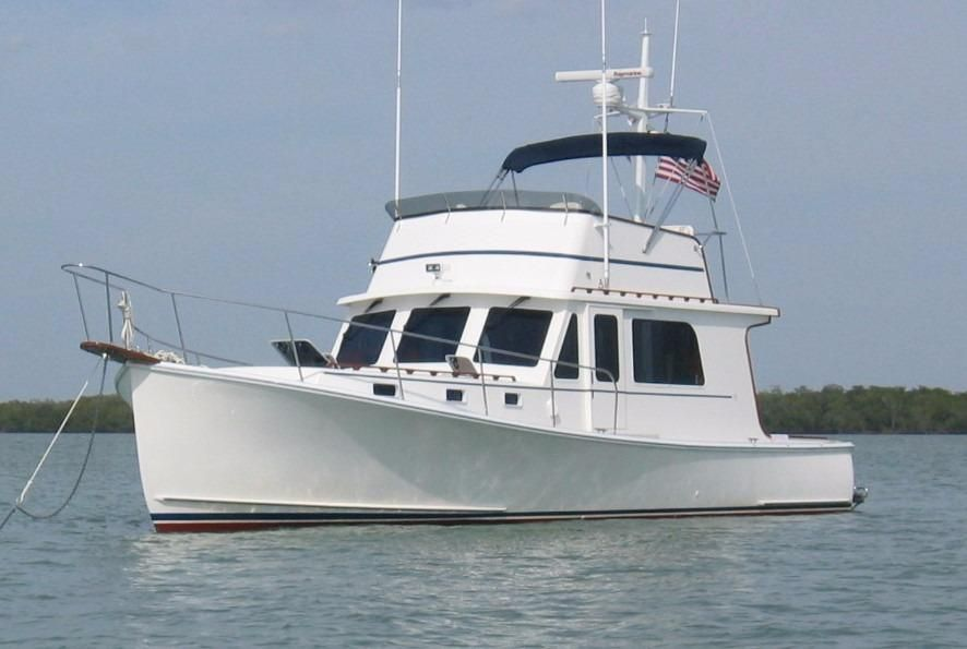 2004 Duffy 37 Flybridge Cruiser - Port Side