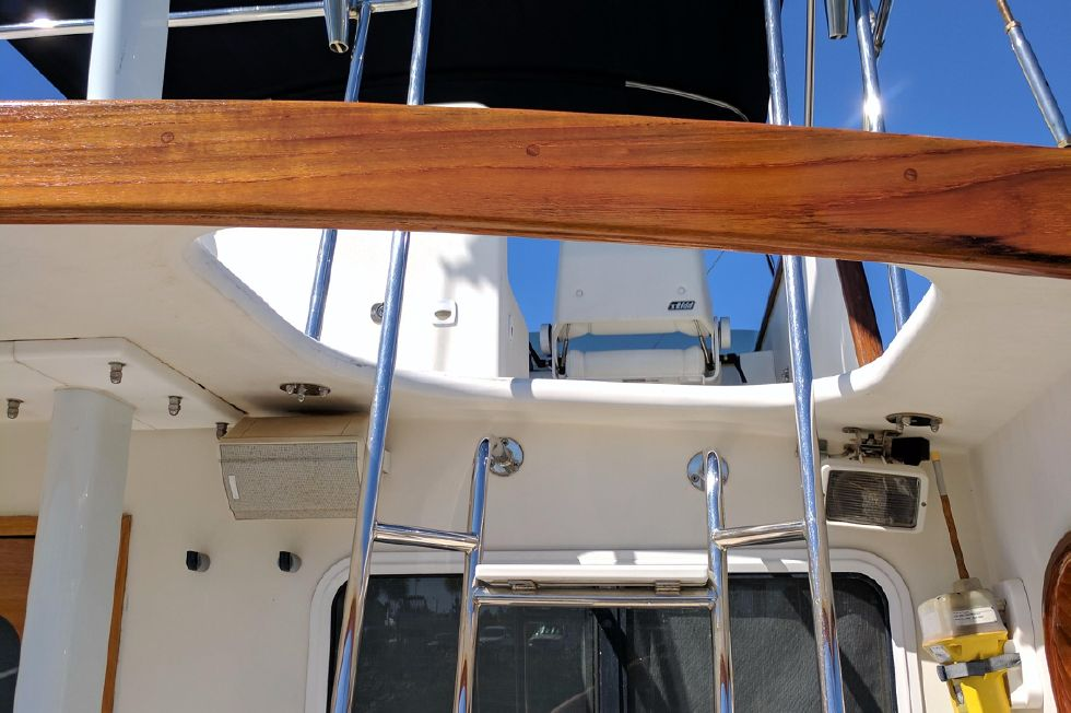 2004 Duffy 37 Flybridge Cruiser - Up to Flybridge