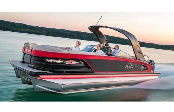 2018 Avalon Excalibur Quad Lounge Windshield - 27'