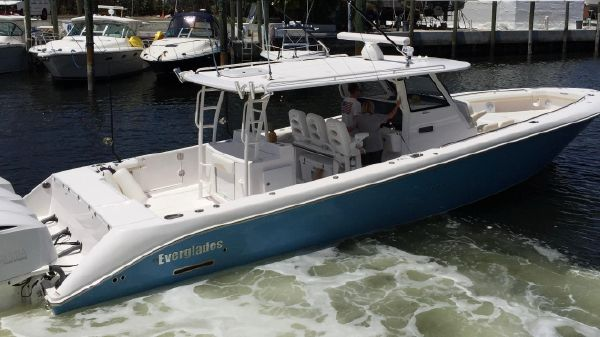 Everglades 435 CC Profile