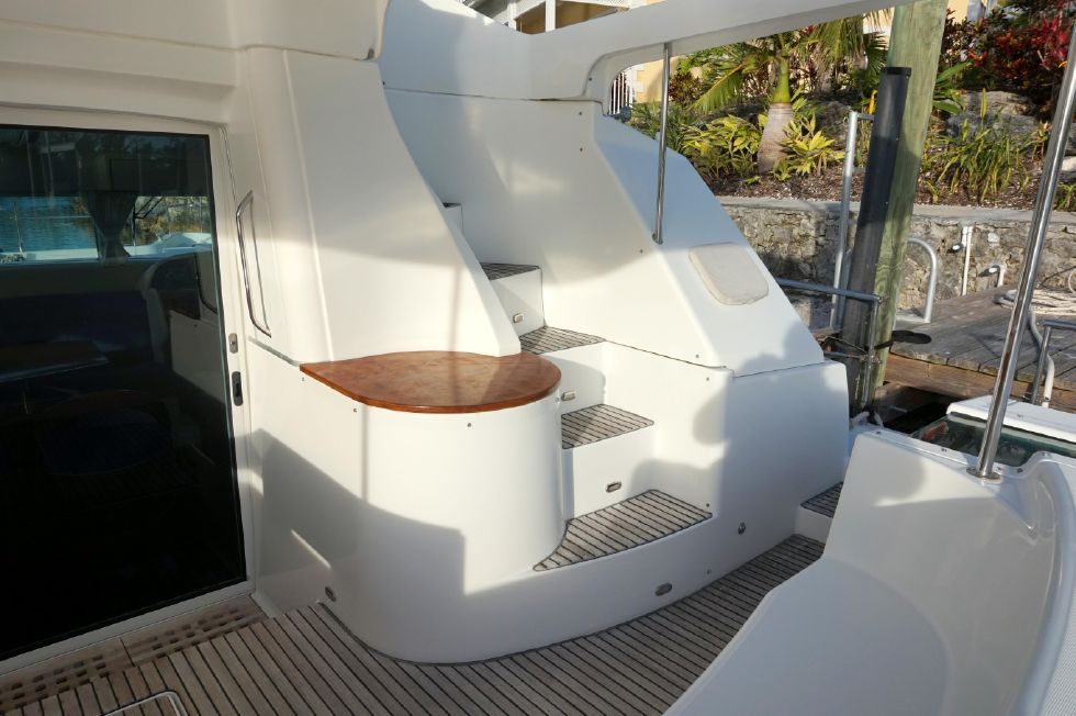 Lagoon 43 Power Cat Flybridge Stairs