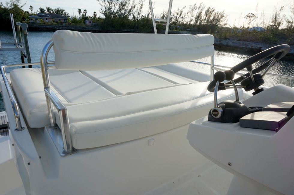 Lagoon 43 Power Cat Upper Helm Seating