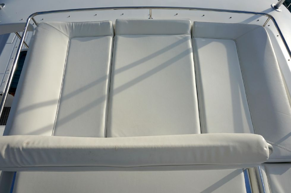 Lagoon 43 Power Cat Flybridge Sunpad