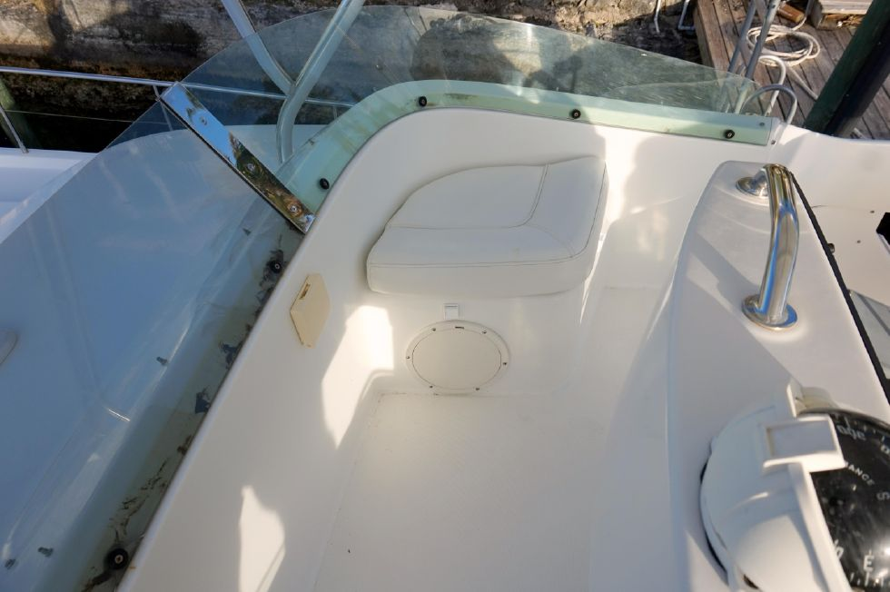 Lagoon 43 Power Cat Flybridge Stbd Seating