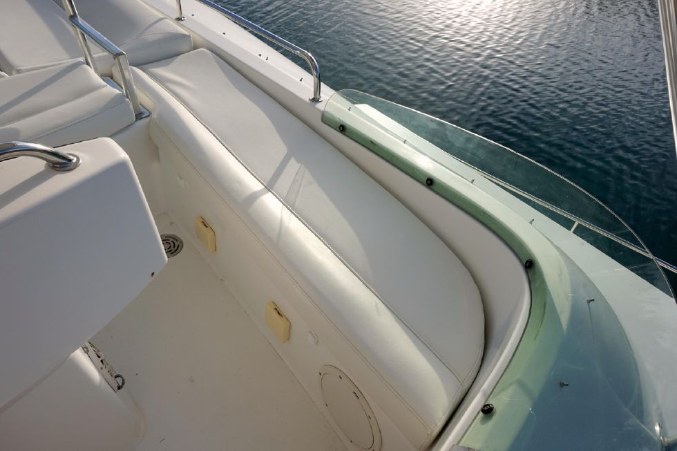 Lagoon 43 Power Cat Flybridge Port Seating