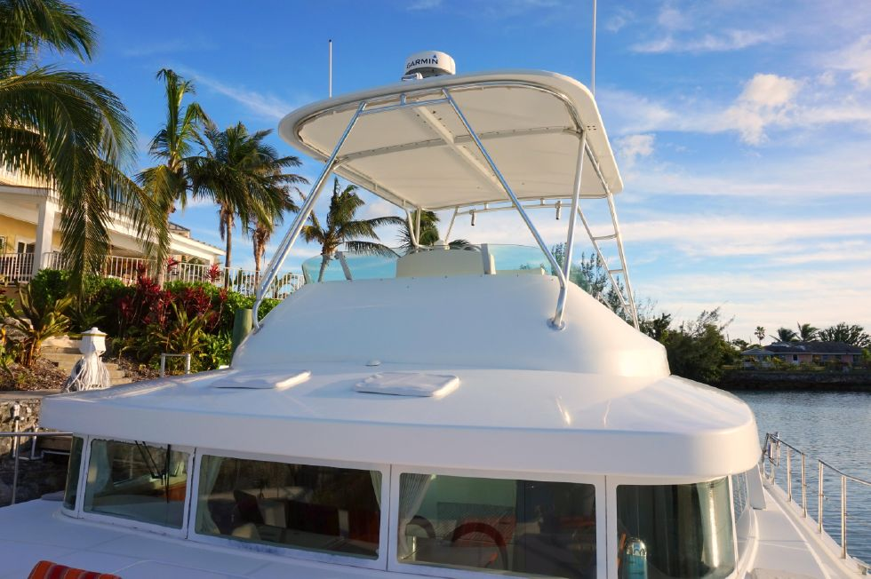 Lagoon 43 Power Cat Flybridge