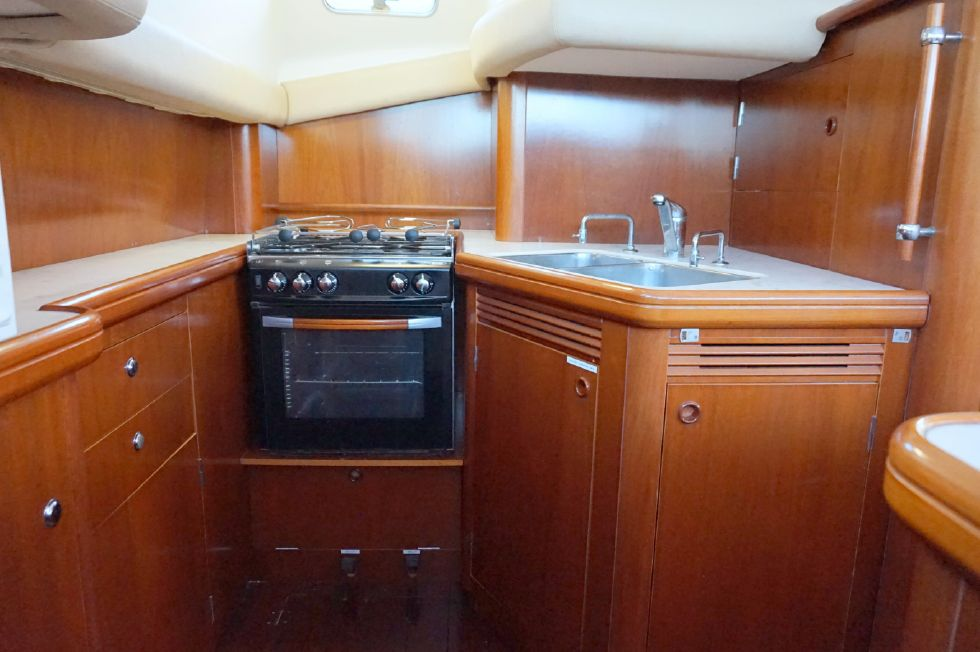 Lagoon 43 Power Cat Spacious Galley Stbd Side