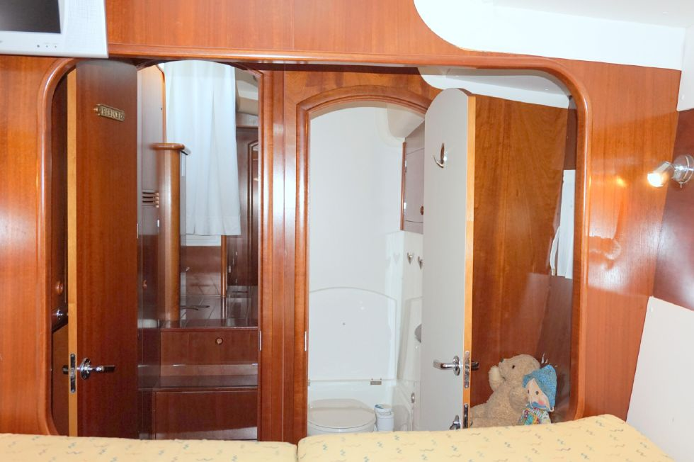 Lagoon 43 Power Cat Guest Stateroom Port Looking Aft