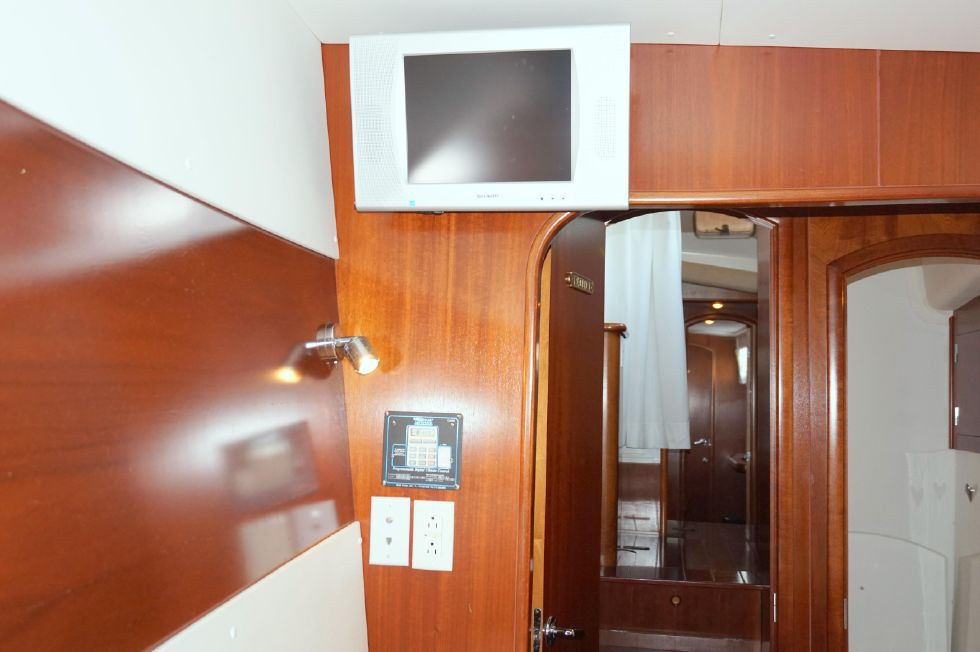 Lagoon 43 Power Cat Guest Stateroom TV