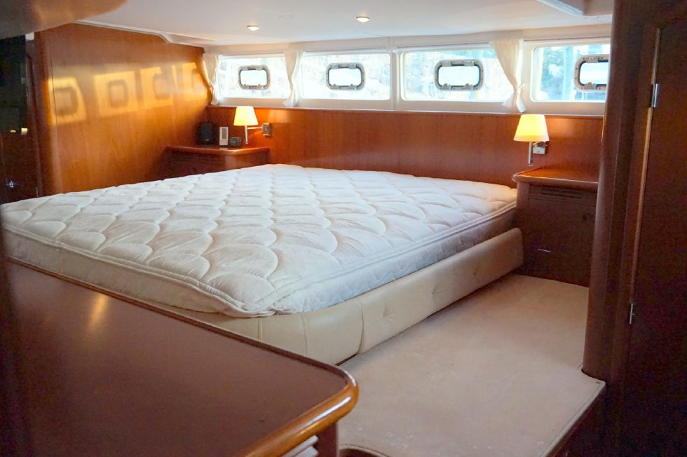 Lagoon 43 Power Cat Owner Stateroom King Bed