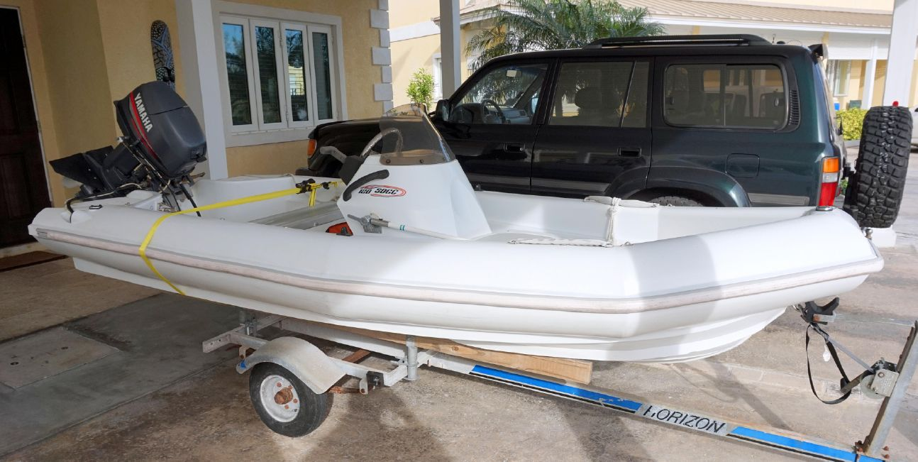 Lagoon 43 Power Cat Triumph Dinghy