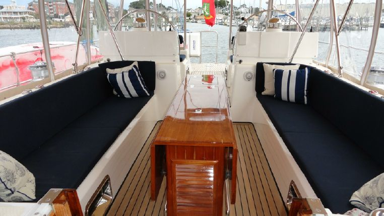 2010 Hylas Purchase Sell