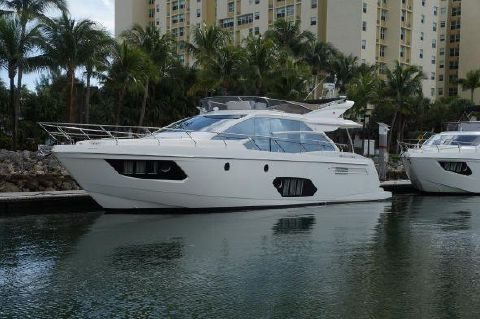 2015 Absolute 56 Flybridge