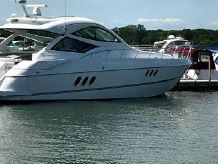 2015 Cruisers Yachts 540 Coupe