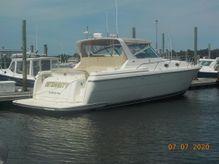 1996 Tiara Yachts 4000 Mid - Cabin Express