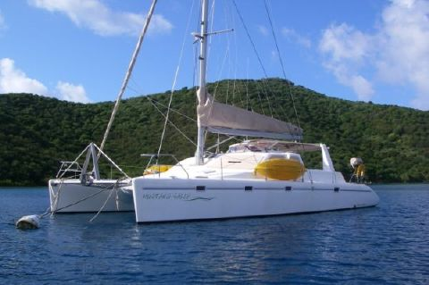 2000 Voyage Yachts 430 Charter version w/ business available