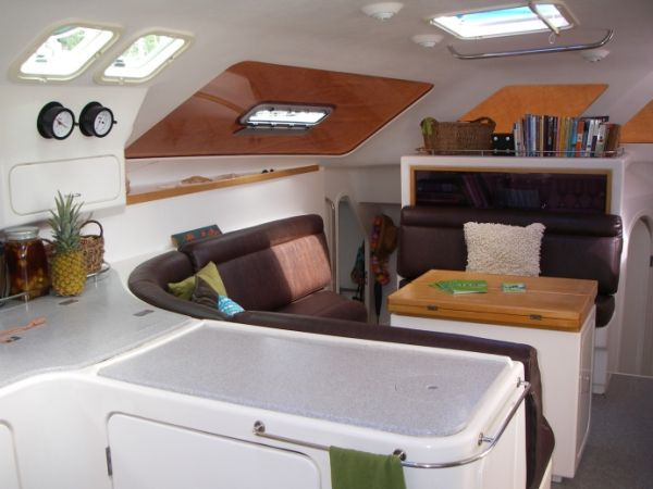 2000 Voyage 430 Charter version w/ business available - Salon 2