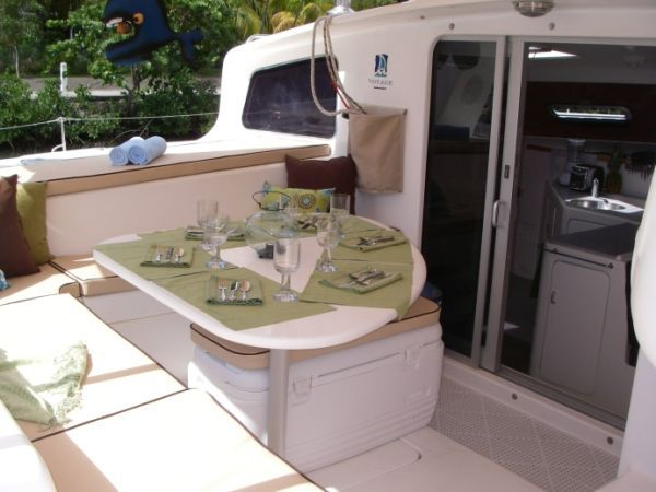 2000 Voyage 430 Charter version w/ business available - Cockpit