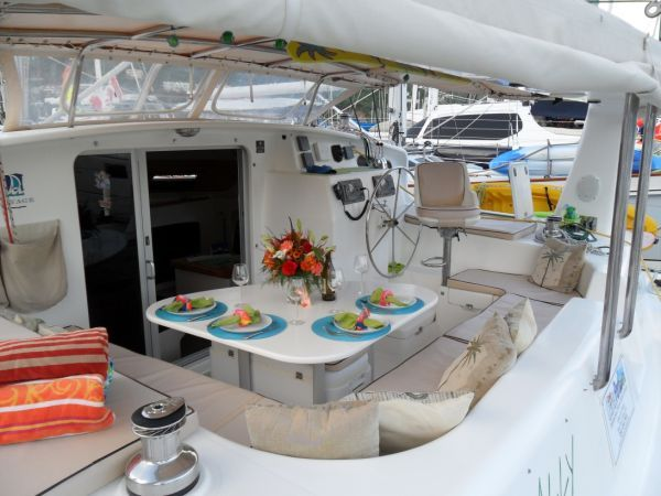2000 Voyage 430 Charter version w/ business available - Cockpit 4