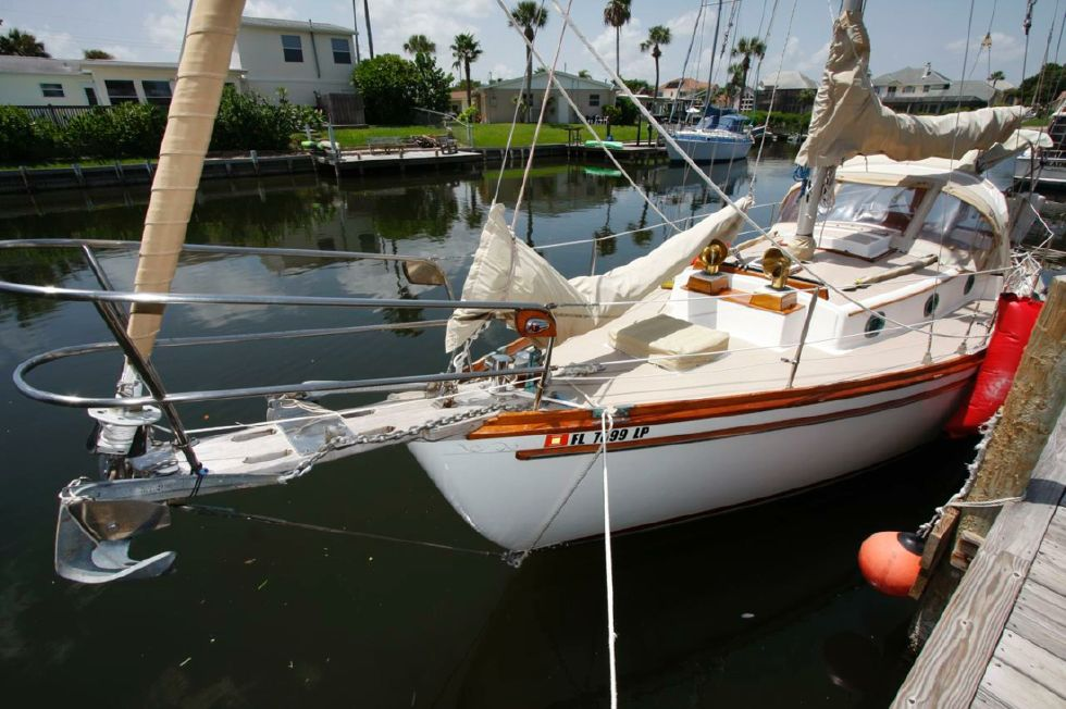 1983 Shannon 28 Cutter Rig
