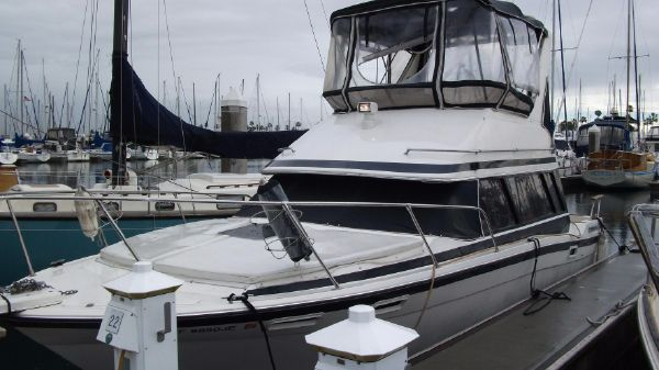 Bayliner 2858 Contessa Command Bridge
